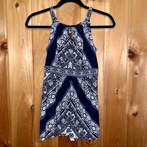 I. N. C. International blue/white sleeveless top S